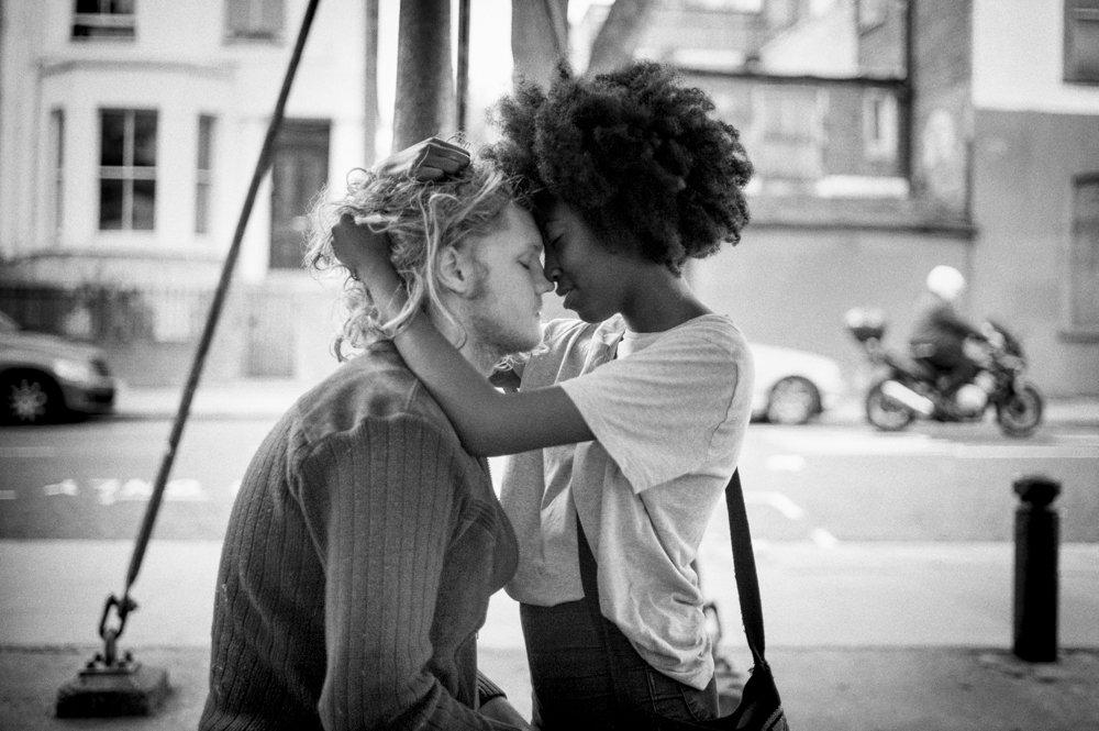 kissing couple Ladbroke Grove
